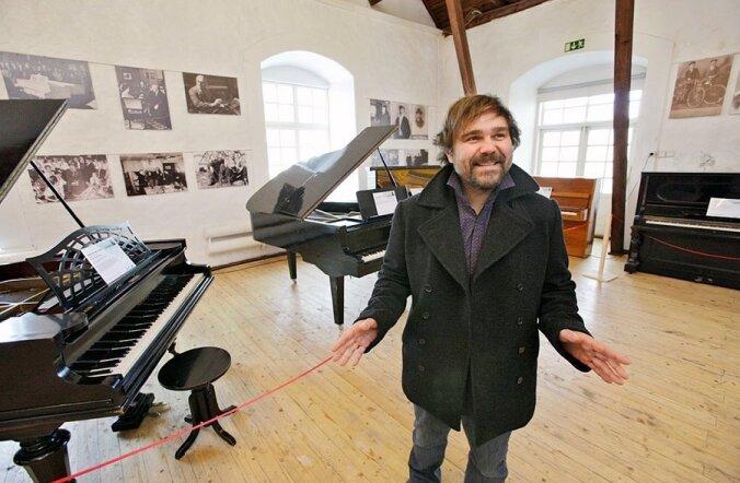 FOTOD: Luunjas avati esimene klaverite püsinäitus Eestis