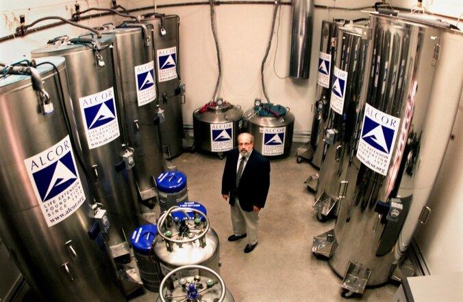 Alcori juht dr Jerry Lemler 2002. aastal oma 49 patsiendi keskel. Üle maailma on praeguseks külmutatud rohkem kui 250 inimest.