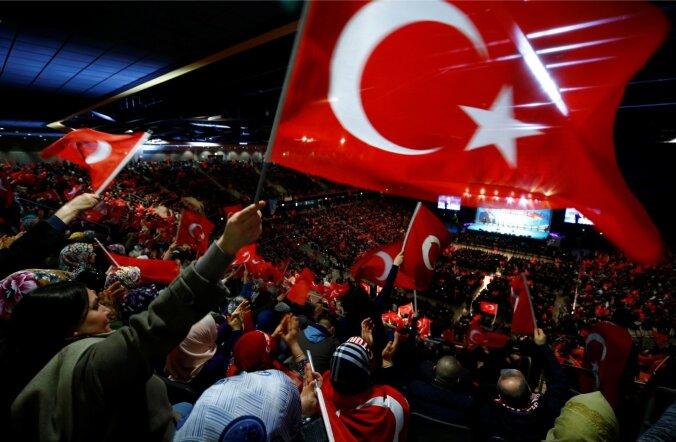 Veebruaris tuli Oberhausenisse Türgi peaministri Binali Yıldırımi kampaaniakõnet kuulama ligi 10 000 Saksamaa türklast.
