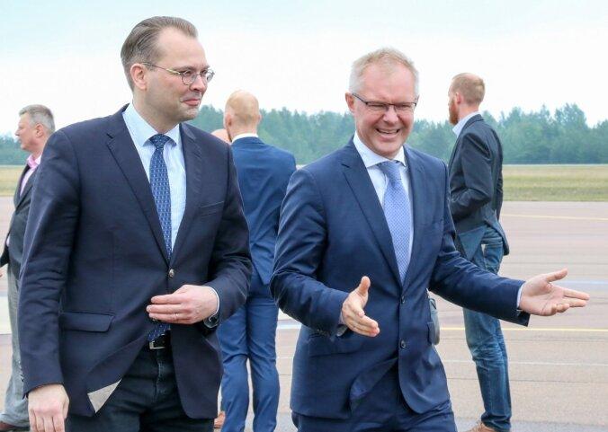 FOTOD ja VIDEO: kaitseminister Hannes Hanso võõrustab Saaremaal Jussi Niinistöt