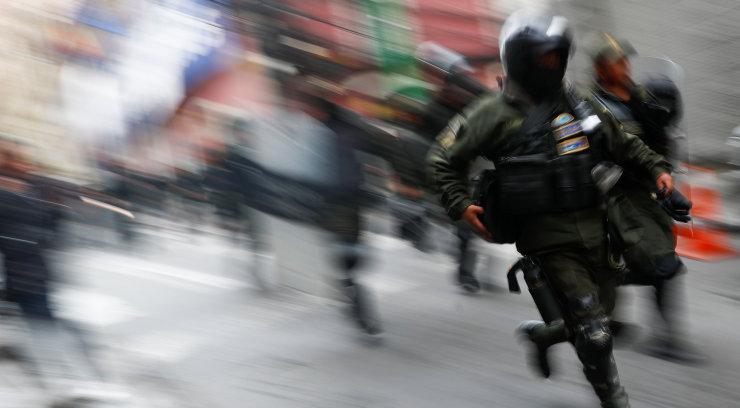 Boliivia president teatas riigipöördekatsest. Osa politseinikke ühines protestidega