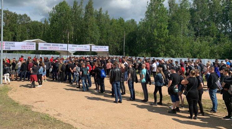 OTSEFOTOD | Väravad on avatud ja kiiremad juba sees! Kümned tuhanded fännid tulevad Tartusse Metallicat kuulama