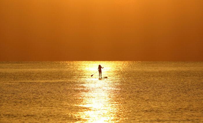 ФОТО: Туристку оштрафовали на пляже за слишком откровенное бикини