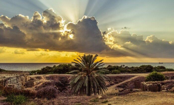 Paphos – 320 päikeselise päevaga ajaloohõnguline kuurort Küprosel. Loe, miks seda külastada!
