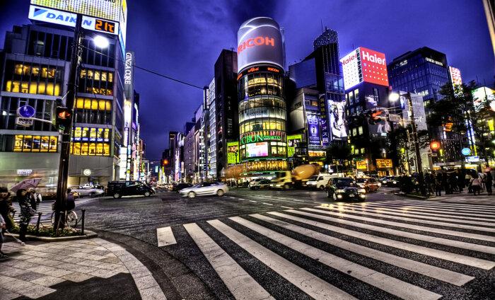 Turismisektorit ootab ees robotiseerimine: Jaapanis hakkavad turiste teenindama automaat-tõlgid