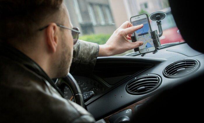 VIDEO: Marseille´s alustanud Uberi auto langes kohalike taksojuhtide vandalismi ohvriks