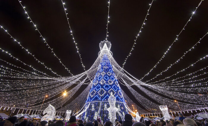 ARVA ÄRA! Millise linna jõulupuu valiti Euroopa kõige kaunimaks?