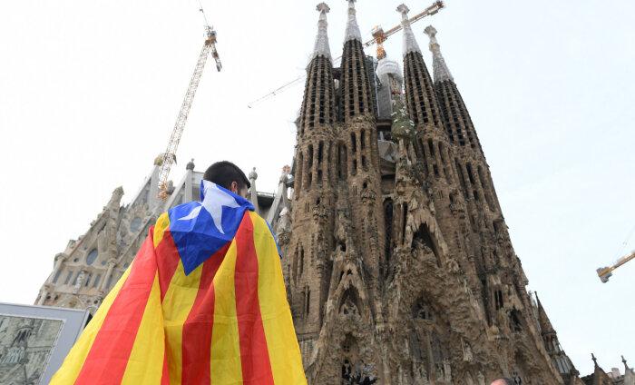 Протестующие в Барселоне заперли туристов в Храме Святого Семейства