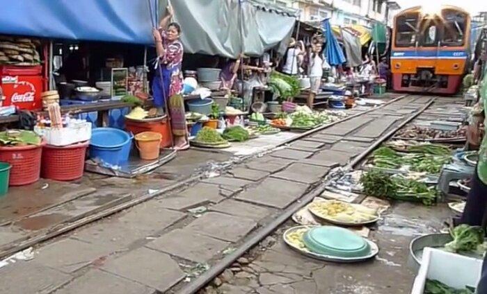 Imeline muutumine: vaata, kuidas Tai kaootilisest turust saab ühe hetkega raudtee