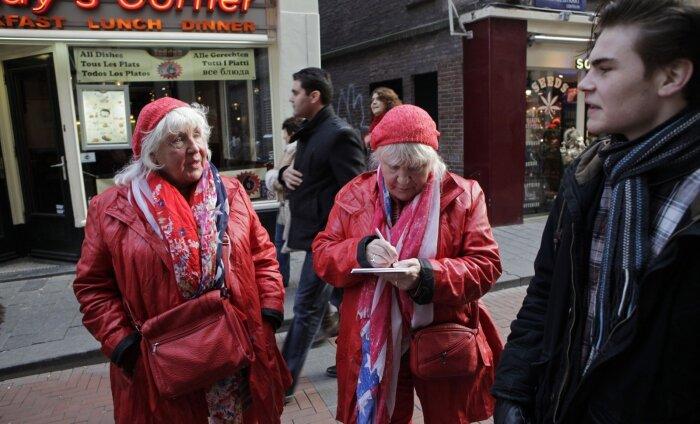 Необычная экскурсия по Амстердаму: как бывшие жрицы любви стали популярнейшими в городе гидами