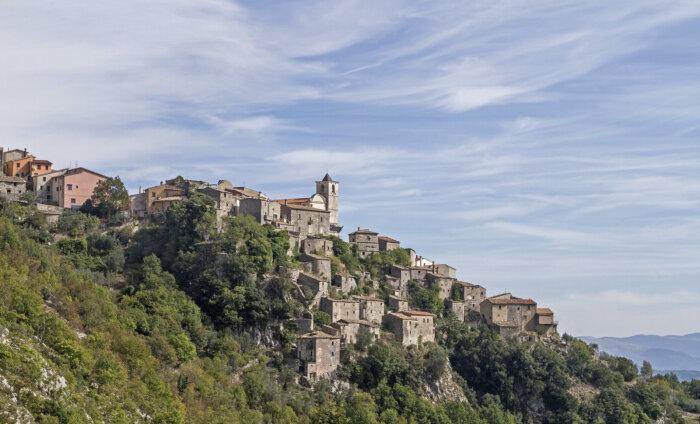 Собираем чемоданы? За переезд в Италию обещают ежемесячно платить 700 евро