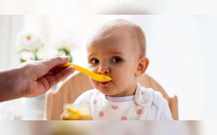 Kuidas alustada beebile lisatoidu andmisega?