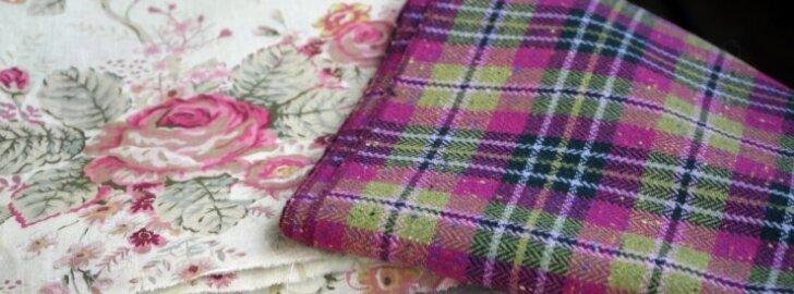 Enamasti kasutatakse ühes töös samast materjalist kangaid, millel ka sobivad toonid on.