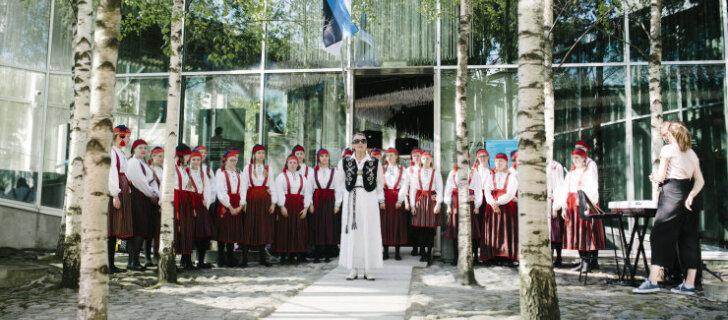 В день открытия новую экспозицию музея оккупаций и свободы Vabamu посетило около тысячи человек
