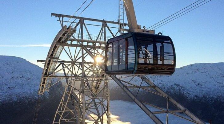 """Норвегия хочет удивить мир """"лифтом в небо"""""""