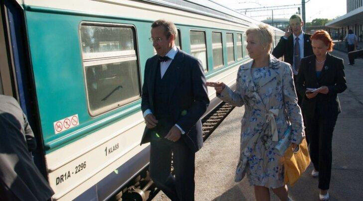 FOTOD: President Ilves sõitis riigivisiidile Lätti