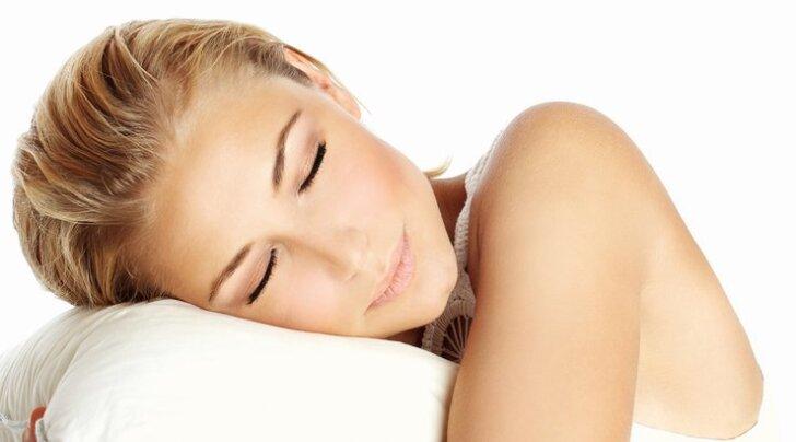 8 привычек, которые помогут похудеть во сне