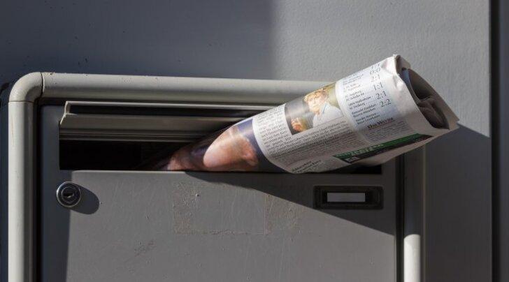VIDEO: Nalja nabani! Kes oleks osanud arvata, et ka kassidel postiljonide vastu niivõrd sügavad tunded on?