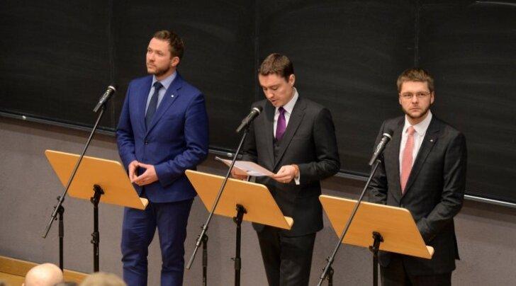 Valitsus sai Narvas pressikonverentsil häid sõnumeid öelda, aga lubatu hammustab riigieelarvest rohkem kui 40miljoni euro suuruse tüki.