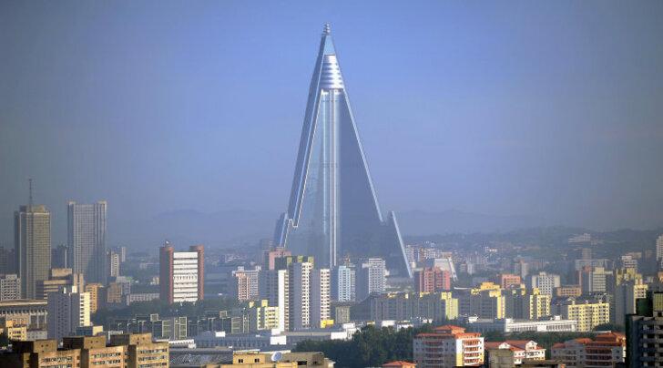 Põhja-Korea maailmalõpuhotellilt langes saladuse loor: mida 30 aastat ehitatud monstrum endas peidab?