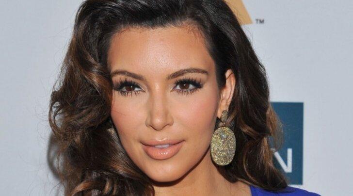 2 tilka vett: Kim Kardashiani ja pornostaari tagumikud võistlevad parima tiitlile