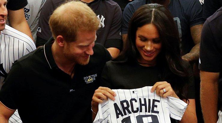 VIDEO | Piinlik! Prints Harry jäi taas fännidele silma Meghan Markle'i ignoreerimisega