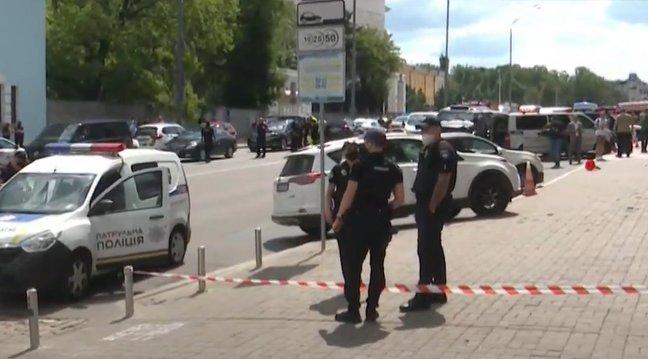 """Захватчик банка в Киеве объявил себя """"святым духом"""""""
