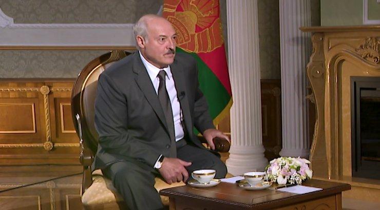 """""""Надо было сохранить лицо Путину"""": Лукашенко удивил заявление по Крыму и Донбассу"""