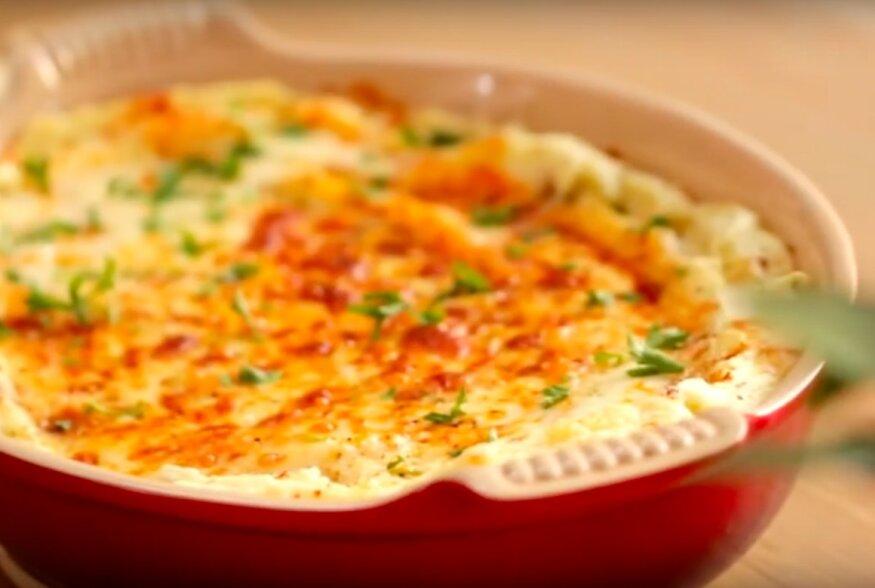KIIRE ÕHTUSÖÖGI SOOVITUS: Ahjus küpsetatud juustukattega toorvorsti-kartulipüree vormirooga