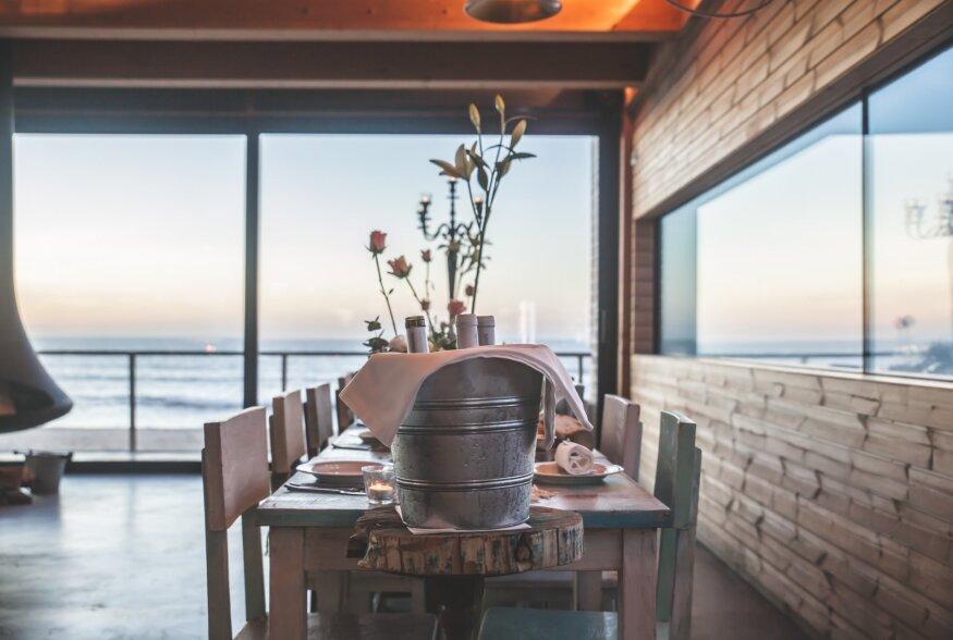 TOP 5 | Parimad rannarestoranid, kus nautida maitsvate roogade kõrvale ilusat merevaadet