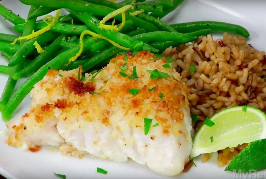 KIIRE ÕHTUSÖÖGI SOOVITUS: Veerandtunniga valmiv ahjukala pruuni riisi ja rohelise salatiga