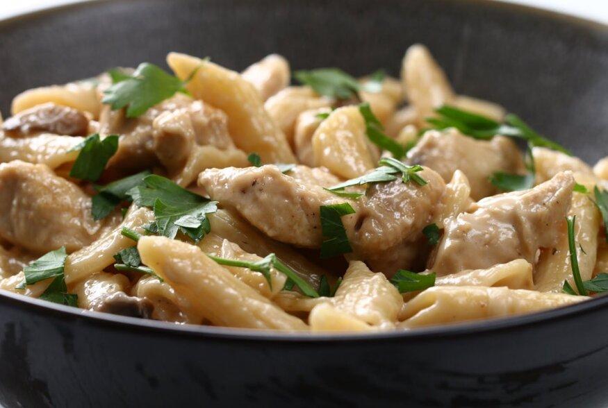 KIIRE ÕHTUSÖÖGI SOOVITUS: Aromaatne seene-porrulaugu-estragon pasta