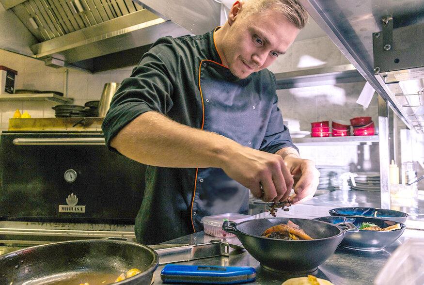 FOTOD | Lihaarmastusega üllatanud restoran Mehed Köögis muutis nime
