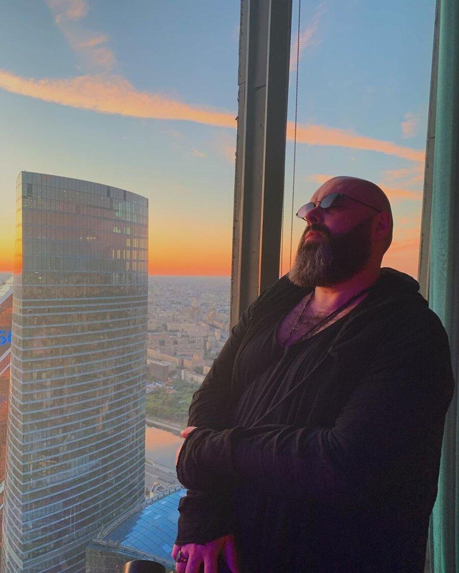 Саратовский музыкант отказался отобвинений вадрес Максима Фадеева