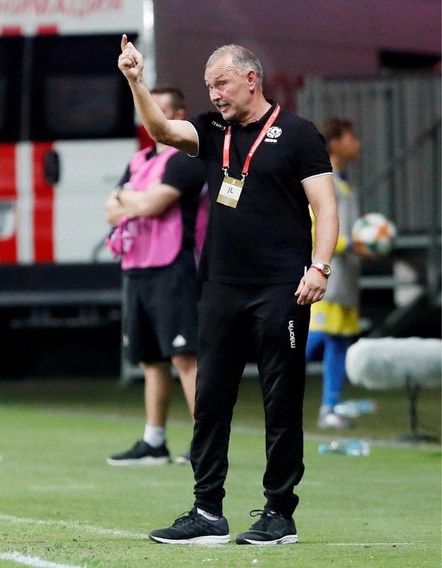 e0933645788 Valgevene jalgpallikoondise nüüdseks endine peatreener Igor Krjušenko.