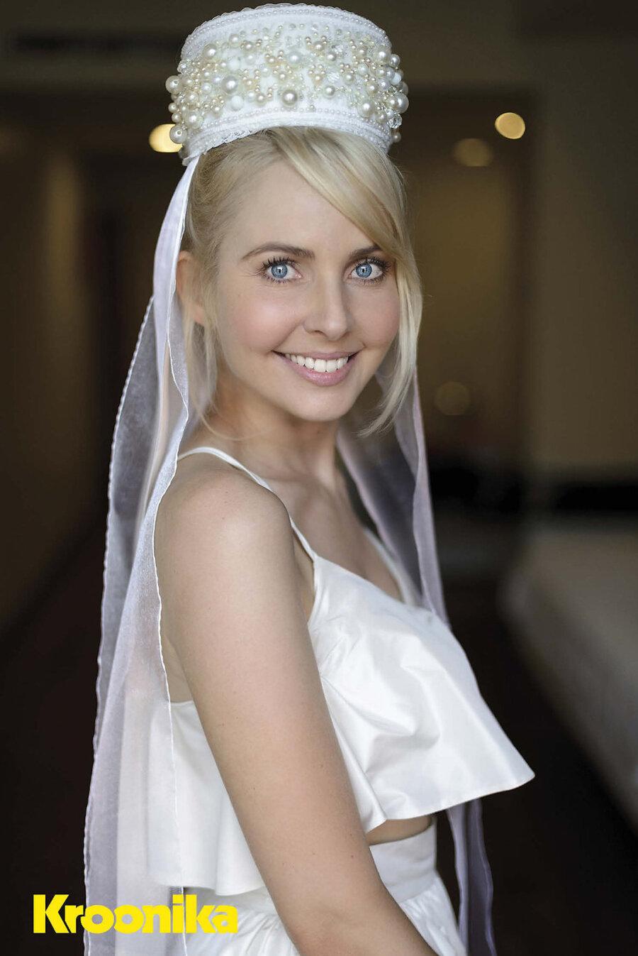 6924b39e319 UHKE! Piret Järvise vapustava pulmapeaehte disainis talle tema enda ...