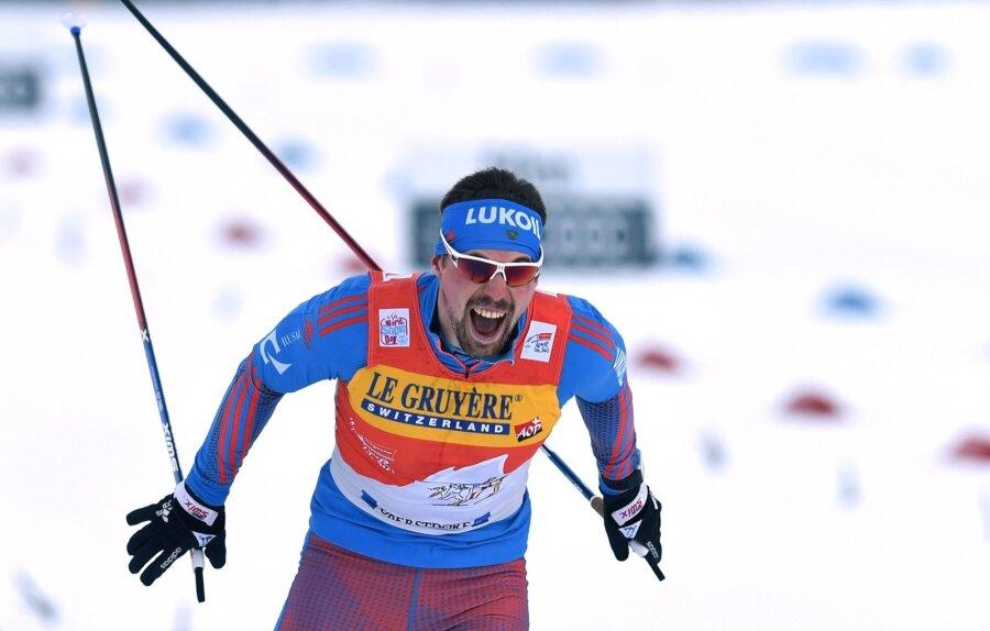 Мужская сборная Российской Федерации завоевала серебро вэстафете наЧМ полыжным гонкам