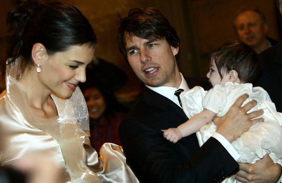 Том Круз со своей дочерью Сури иженой Кэти Холмс.