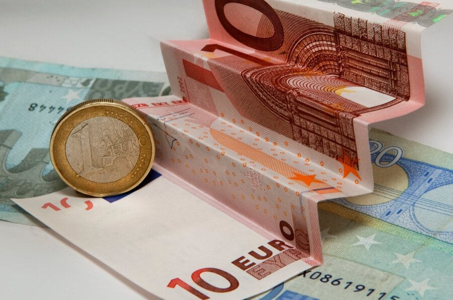 Власти Италии направят до17млрдевро наликвидацию 2-х больших банков