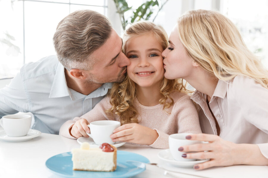 """<span>Tiina Tiitus: vanema roll on lapsele näidata, kuidas käib õnnelikuks saamine ja õnnelik olemine</span><span class=""""right"""">Foto: depositphotos.com</span>"""