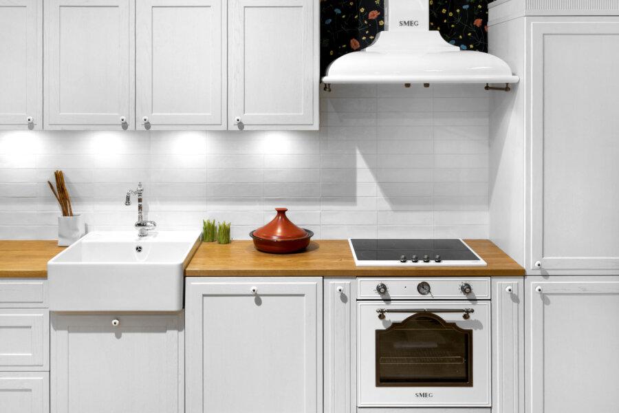e26b6aa41f6 Klassikalised toonid köögis — kas valida valge või hall - Moodne Kodu