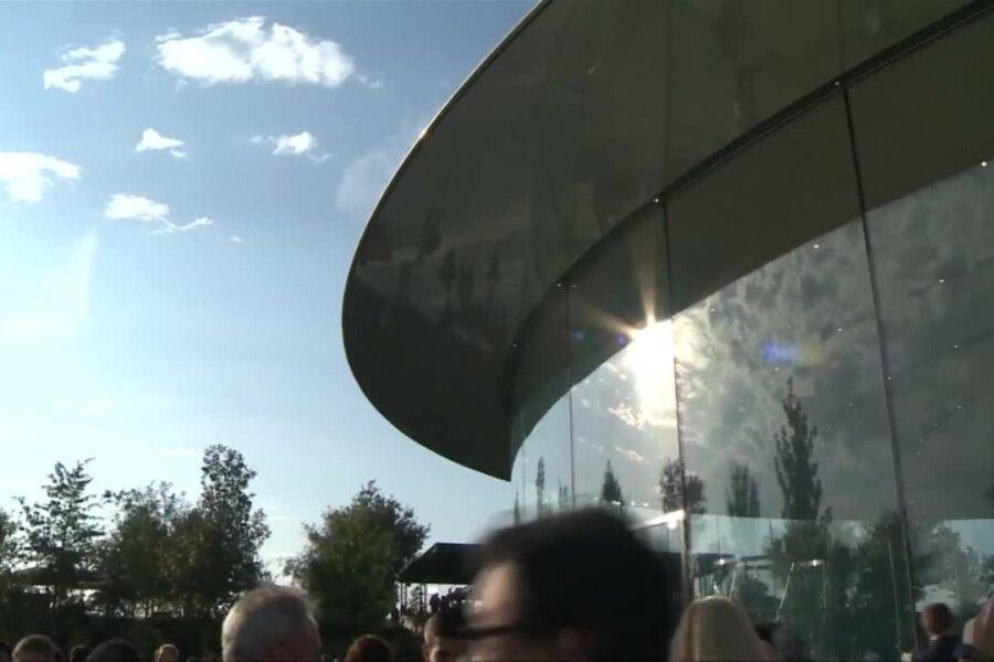 VIDEO | Apple näitas uut nutikella, Apple TV meediapleierit ja kolme uut iPhone'i, üks neist rekordedev ja -kallis