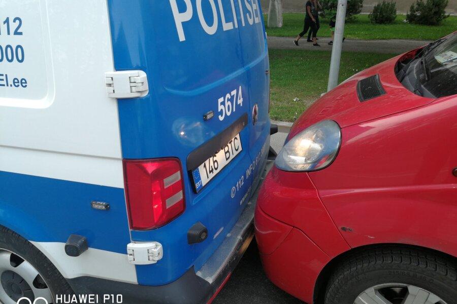 VIDEO | Politseipatrull oli sunnitud Paides põgeneva sõiduki peatamiseks sellele ette sõitma