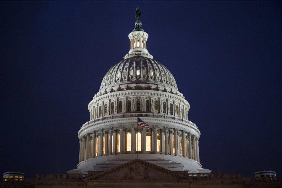 ФБР политизировало «священный следственный процесс» впользу демократов— Трамп