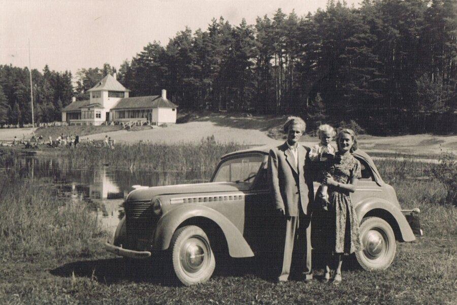 Endel, Heljo ja Urmas Taniloo oma esimese autoga