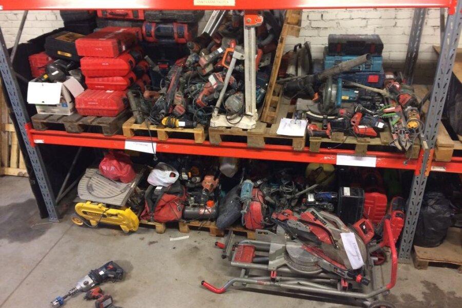 VIDEOD ja FOTOD | Vaata, kuidas nabiti kinni sadade kaupa kalleid tööriistu varastanud kurjategijad
