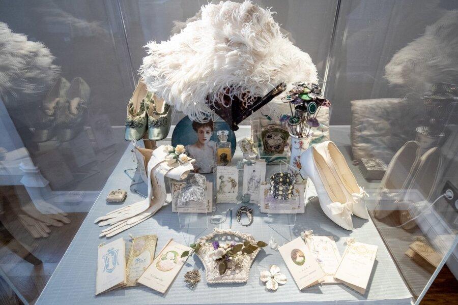 """Näitus """"Kutse Ballile"""" Alexandr Vassiljevi fondi kollektsioonist"""
