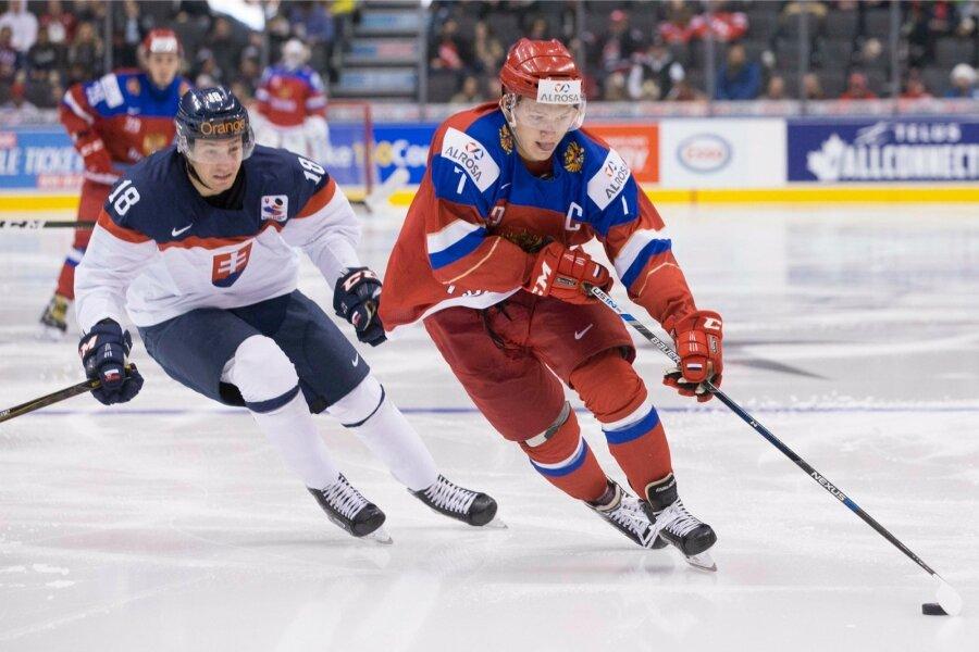 Русские хоккеисты всухую выиграли матч сДанией ивышли вполуфинал МЧМ