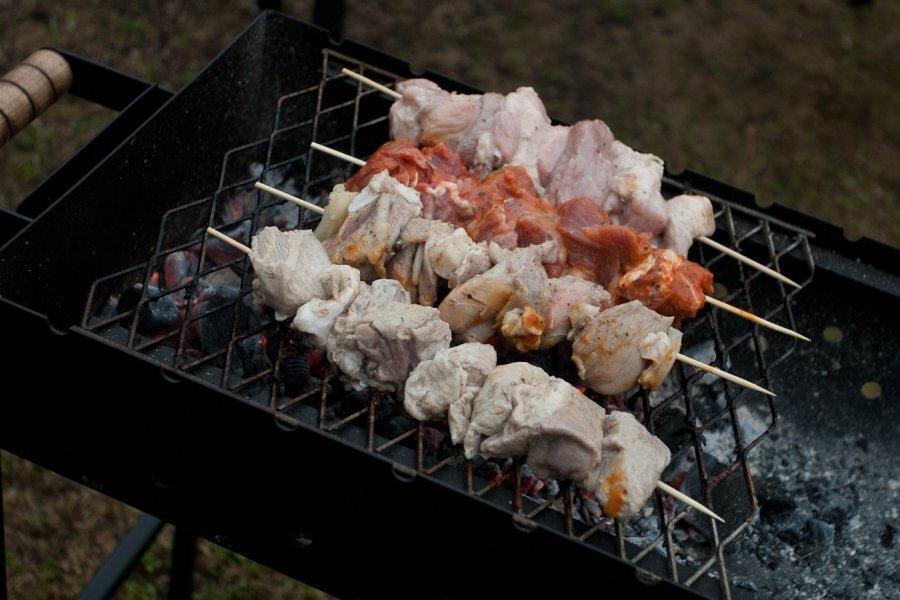 Jaanipäeva grillinipid: Kõige värskema ja odavama liha leiab turult