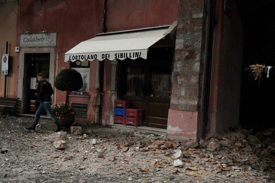 Тряслись стены домов: Сильнейшее землетрясение вновь обрушилось нацентральную Италию